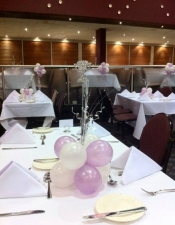 Melbourne cup balloon table cluster